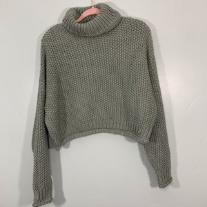 Moth | Gray Knitted Turtleneck Crop Top Sweater